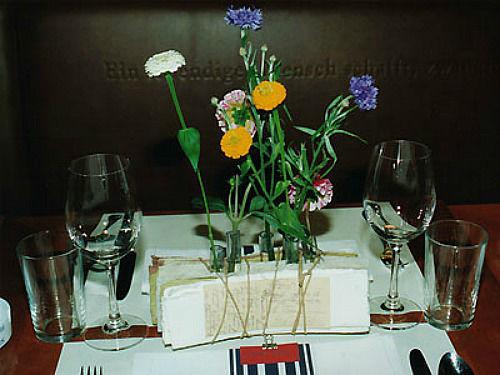 Beispiel: Festdekoration, Foto: Blütenraum.