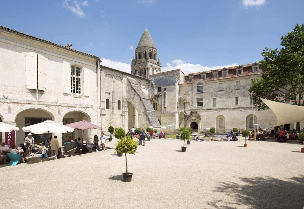 Abbaye aux Dames, la cité musicale, Saintes