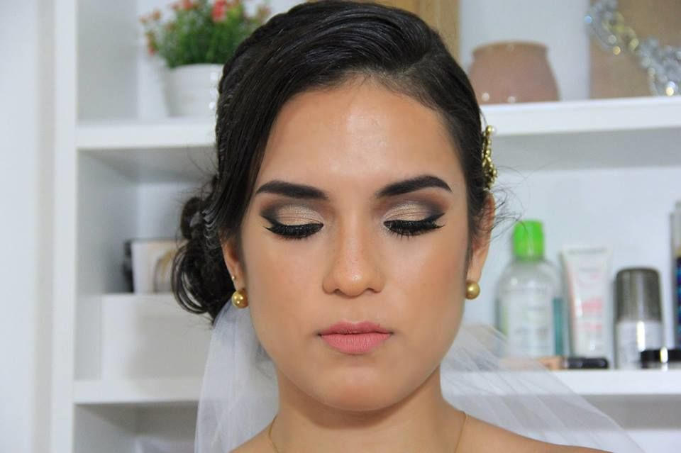 Bia Make-up