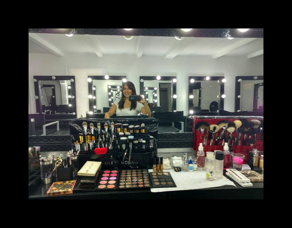 Diana Henao Make Up Artist
