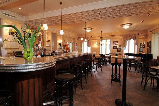 Beispiel: Hotelbar, Foto: Hotel Bären Langenthal.