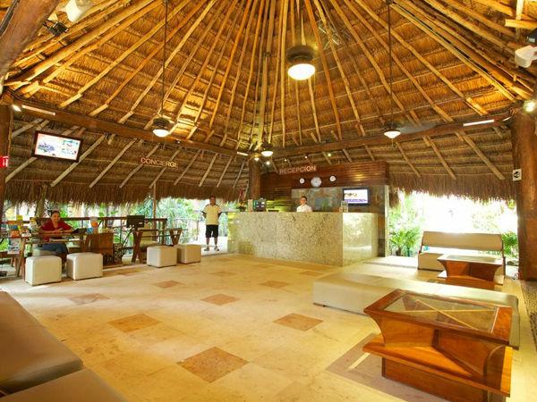 Hotel Tukan & Beach Club