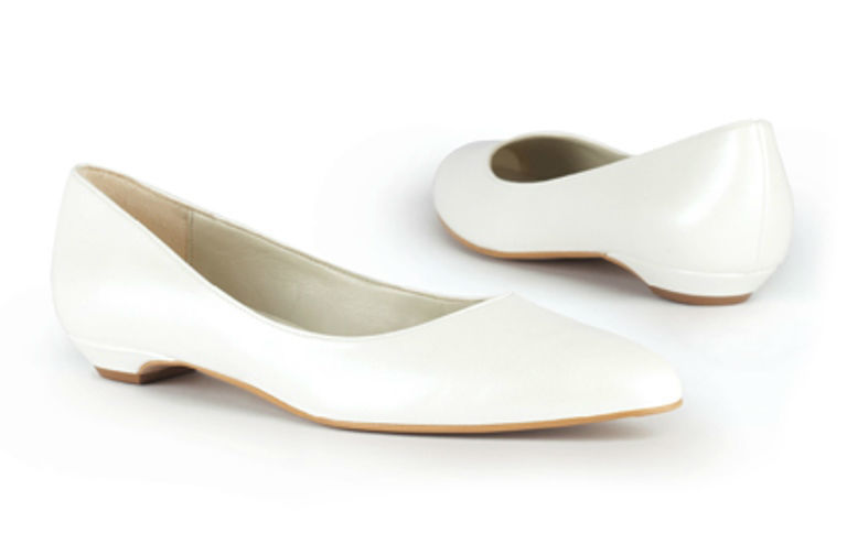 Beispiel: Bequeme Schuhe für den Hochzeitstag, Foto: faithful by Karin Wilfling.