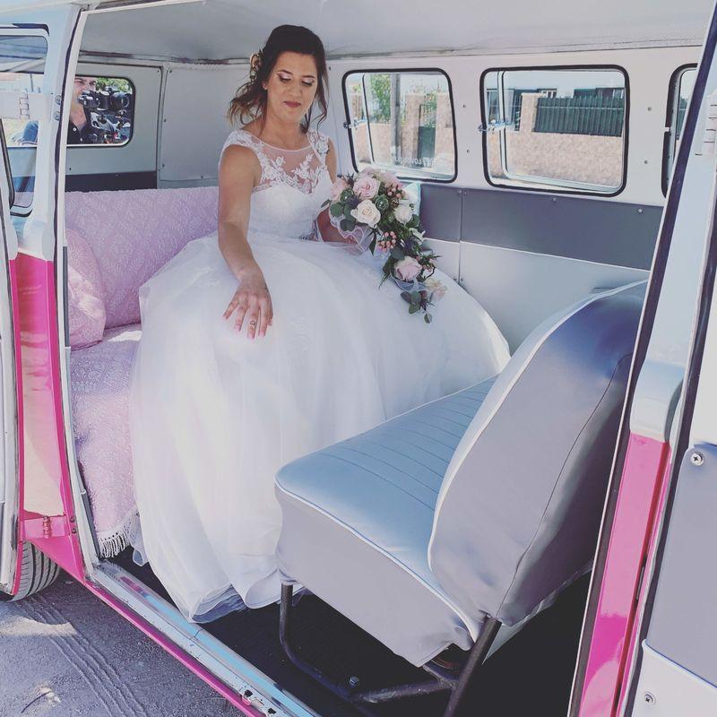 LoveBus - Aluguer de carrinhas Pão de Forma e Carochas