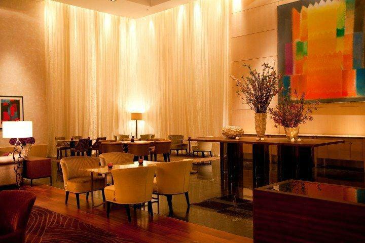 """Beispiel: Die Lobby""""The Lounge"""", Foto: Park Hyatt Zürich Hotel."""