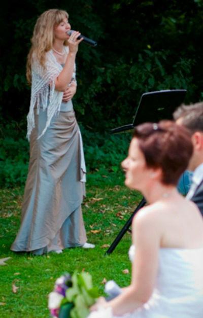 Hochzeitssängerin Dana Raabe