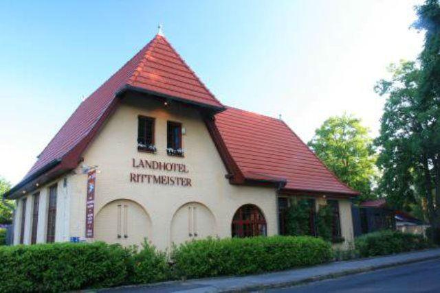 Beispiel: Außenansicht, Foto: Landhotel Rittmeister.
