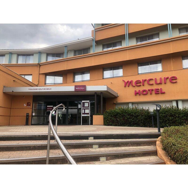 Hôtel Mercure Toulouse Aéroport Golf de Seilh****