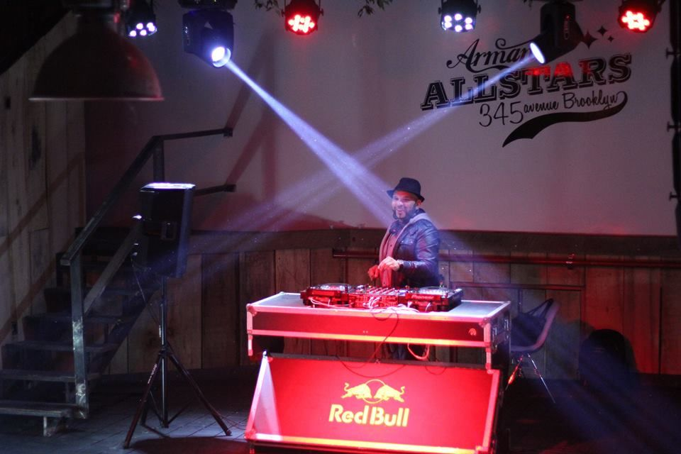 DJ Winston Howard