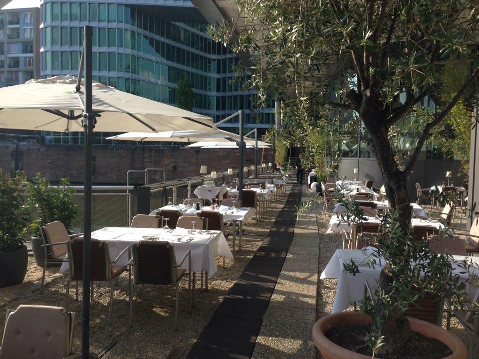 Beispiel: Terrasse, Foto: Frankfurter Botschaft.