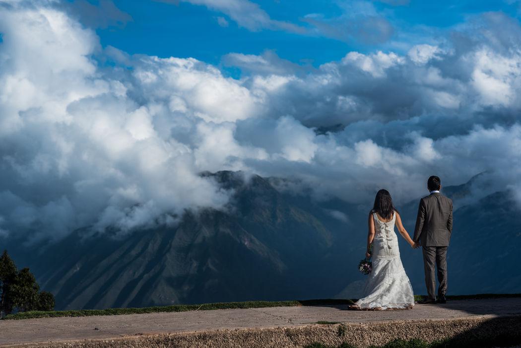 Trash The Dress - Cusco