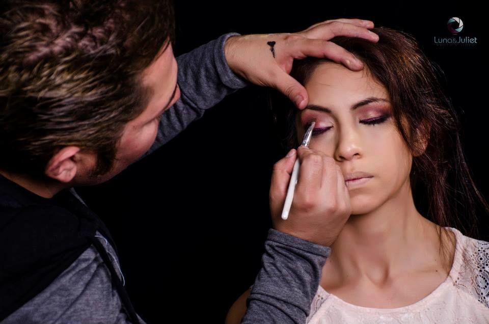 Roberto Escobedo Make Up