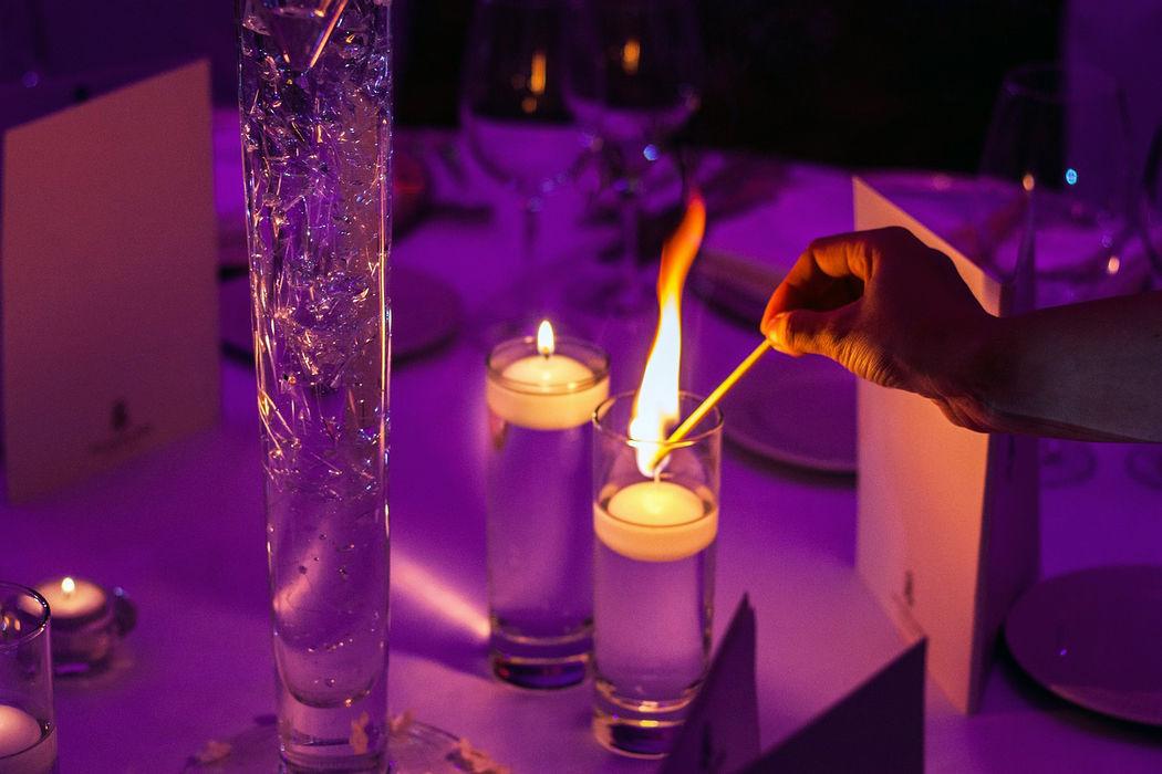éclairage tamisé du salon repas