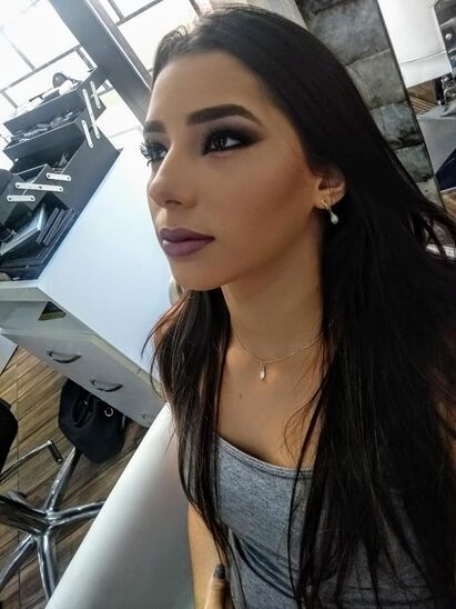 Maquiadora Andréa Emília