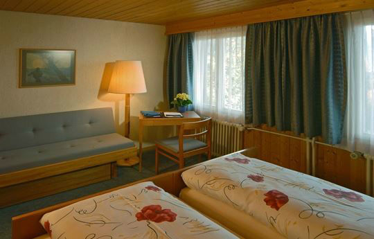 Beispiel: Zimmerbeispiel, Foto: Hotel Restaurant Meielisalp.