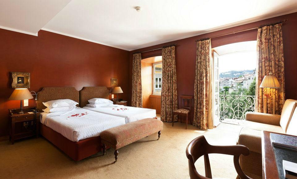 Um dos nossos quartos com vistas ao rio Tâmega e ao centro de Amarante