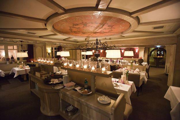 Beispiel: Restaurant, Foto: Landhaus-Hotel Waitz.