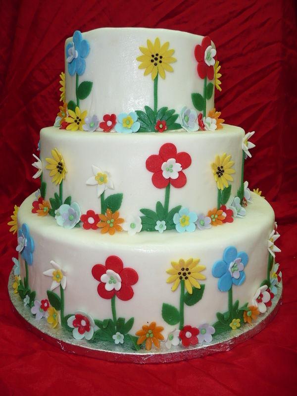 Beispiel: Hochzeitstorte - Flower Power, Foto: Cafe Kiess.