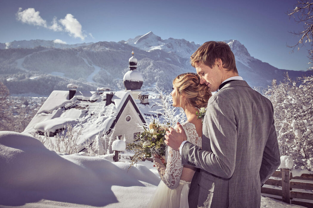 4 weddings & events