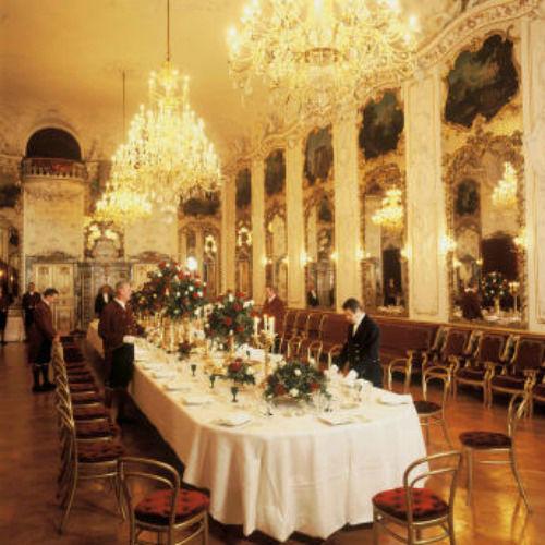 Beispiel: Ballsaal, Foto: Thurn und Taxis Schloss St. Emmeram.