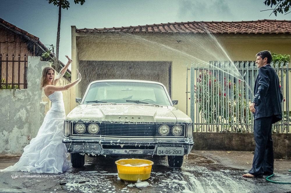 Lavando o carro da noiva