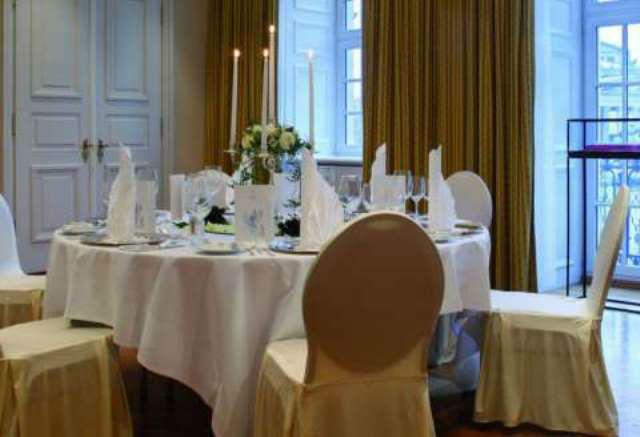 Beispiel: Musikzimmer, Foto: Hotel Taschenbergpalais Kempinski.