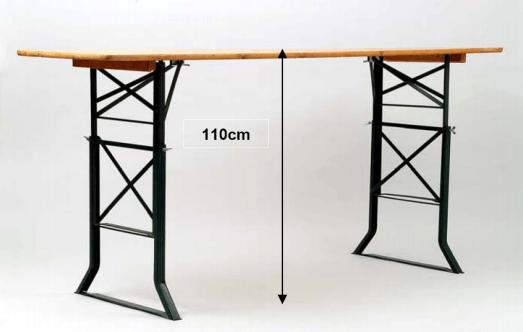 Beispiel: Zusatzgestelle für Stehtische, Foto: Mietidee.