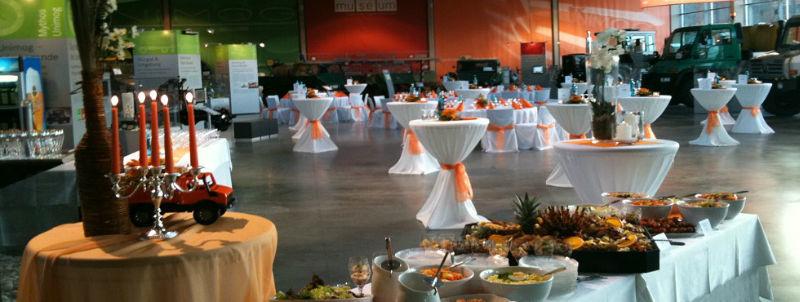 Beispiel: Tischtücher und Tischdecken mit dekorativen Elementen, Foto: Agentur Traumhaft.