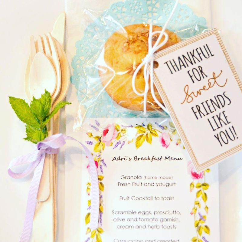 Muffins de almendra y granola como muestra de agradecimiento para tus invitados