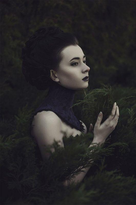 model & dress: Нелли Матрусова mua & hair: Нелли Шварц photo: Роман Глосс