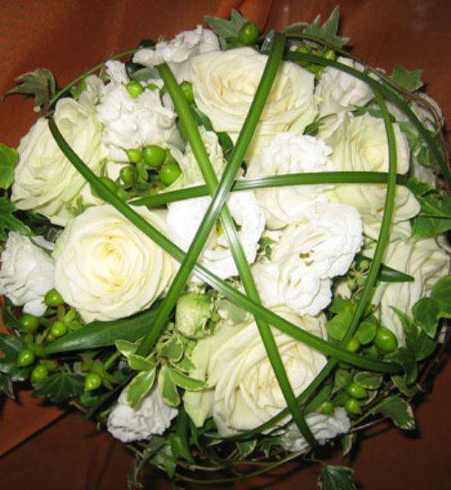 Beispiel: Der Brautstrauß der zu Ihnen passt, Foto: Blumenhaus Klein.
