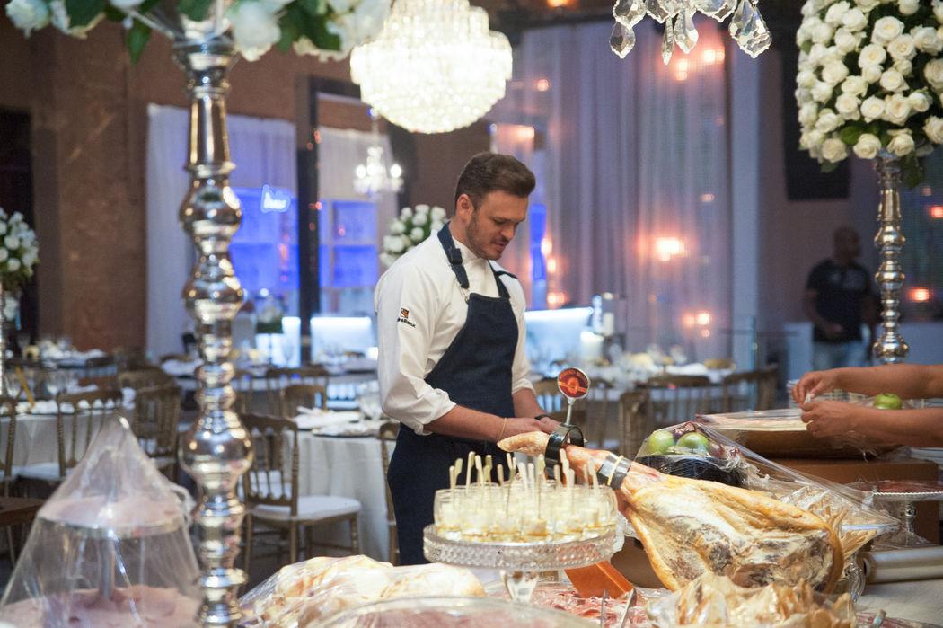 Buffet W Gourmet