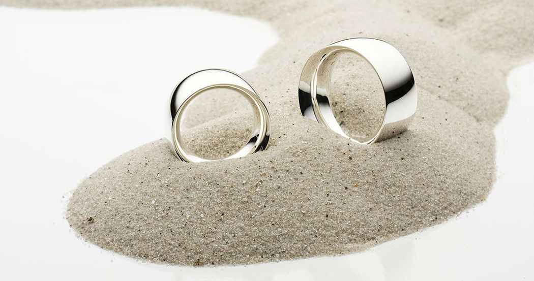 Beispiel: Trauringe - Silber, Foto: SchmuckGut.