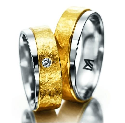 Beispiel: Trauringe in Gelbgold und Weißgold aus der Individuals Kollektion von Meister, Foto: Juwelier Kopf.