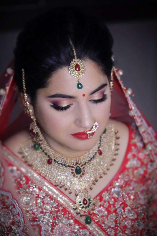 Make-up by Afsha Rangila