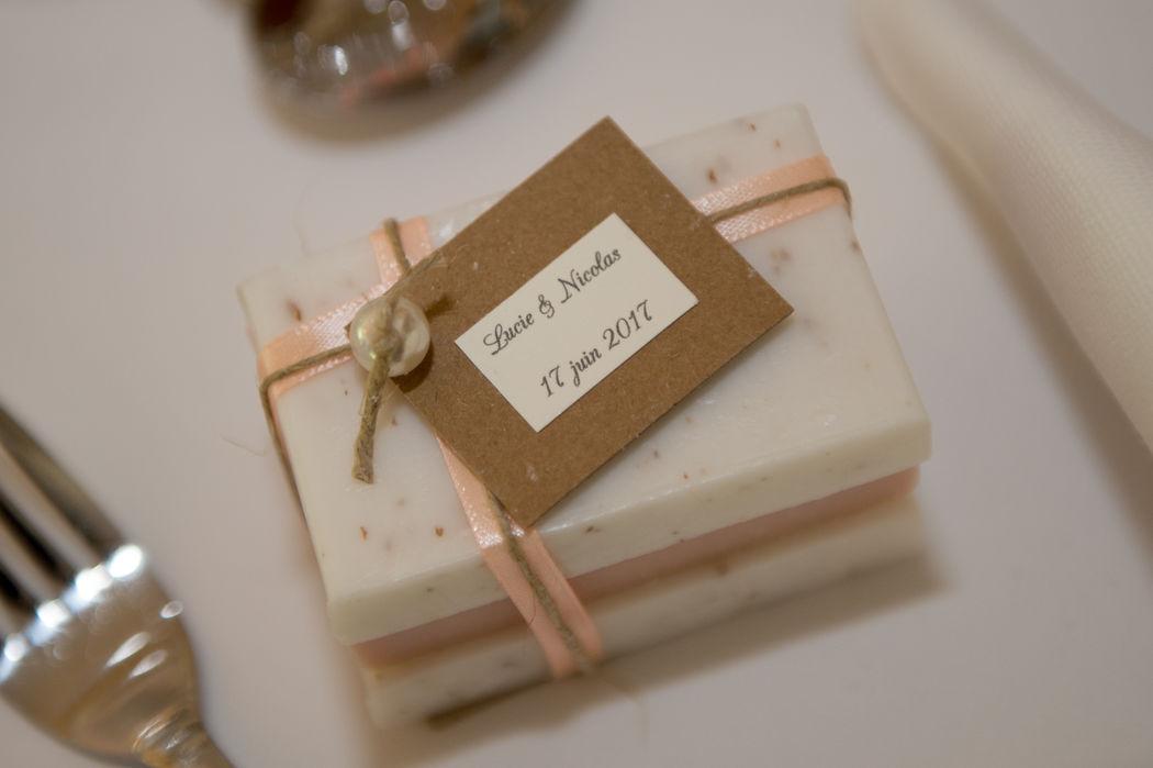 Savon d'invités vintage romantique