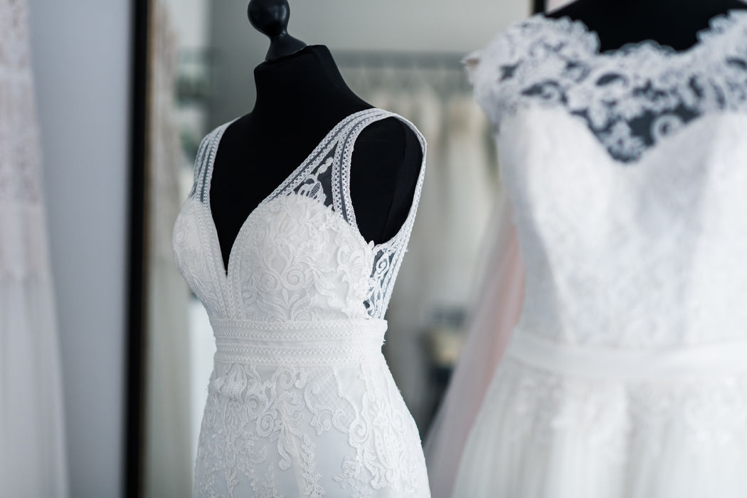 THE ONE - dress. day. love.