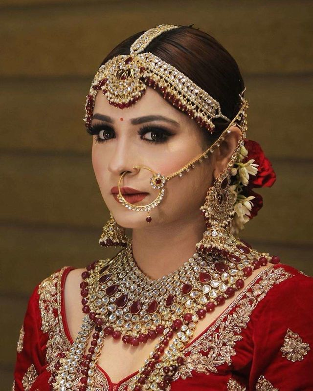 Face Stories By Leena Bhushan