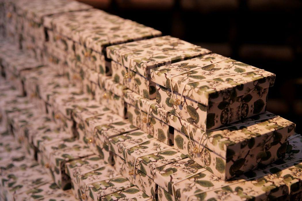 Caixa em tecido personalizado com a mesma estampa do convite, Enchanter | Projetos Especiais