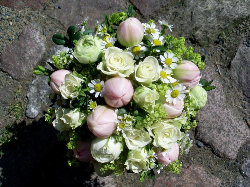 Beispiel: Brautstrauss, Foto: in blüte.