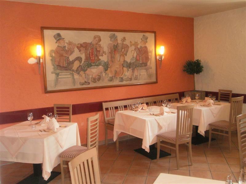 Beispiel: Restaurant, Foto: Schlosshotel Breitenfeld.