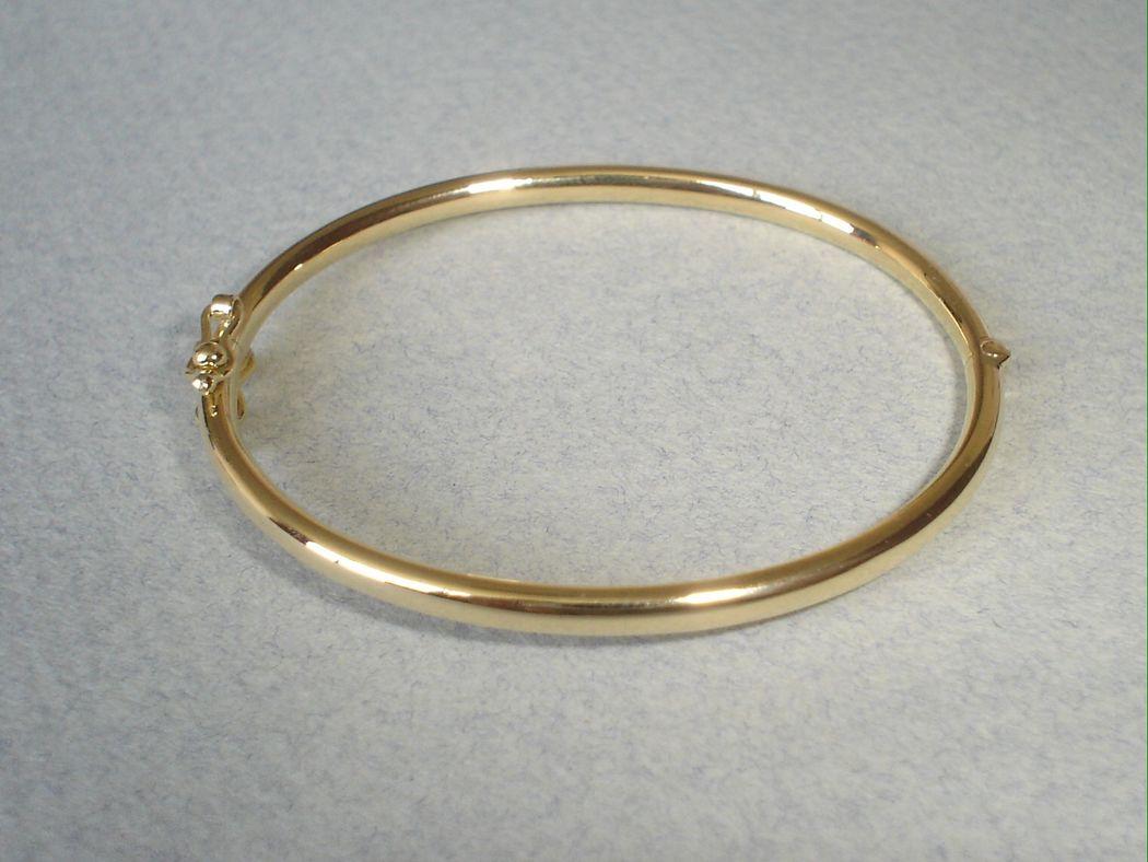 Puñera hueca oro amarillo 18k