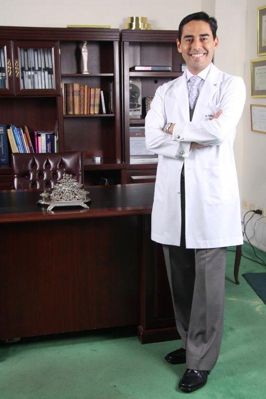 Dr. Roni Luna