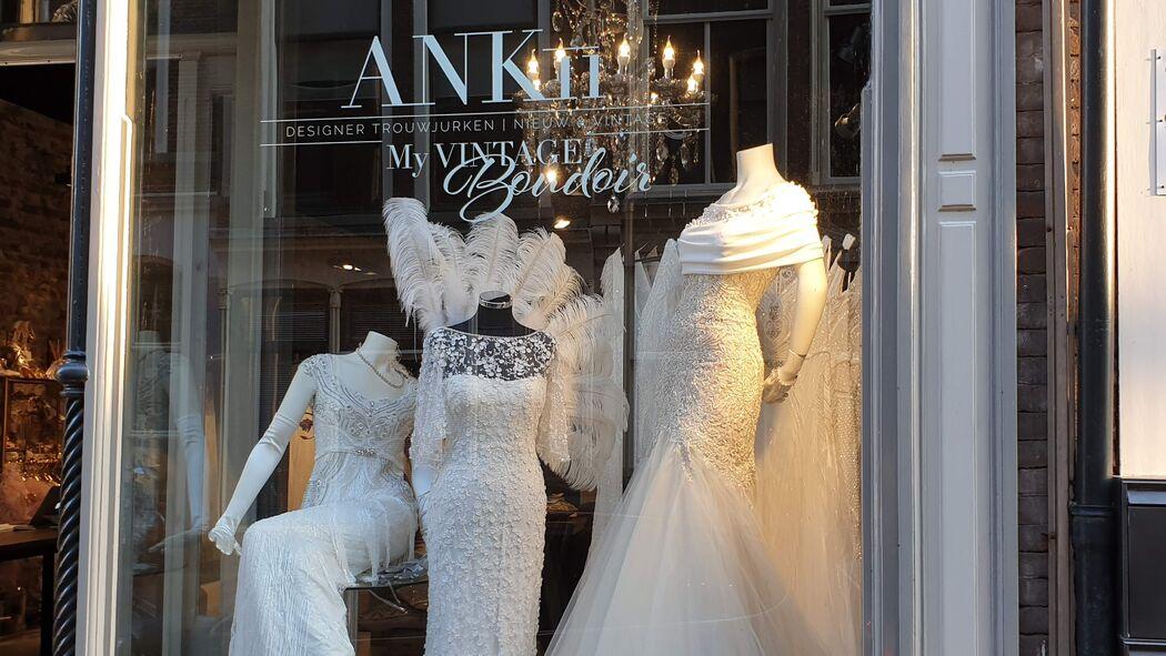 ANKii | My VINTAGE BOUDOIR