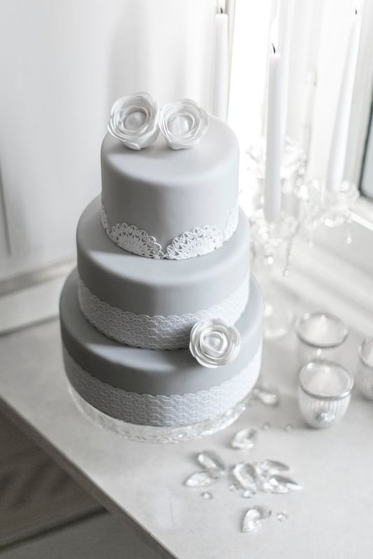 DeliziaMi winter time wedding cake