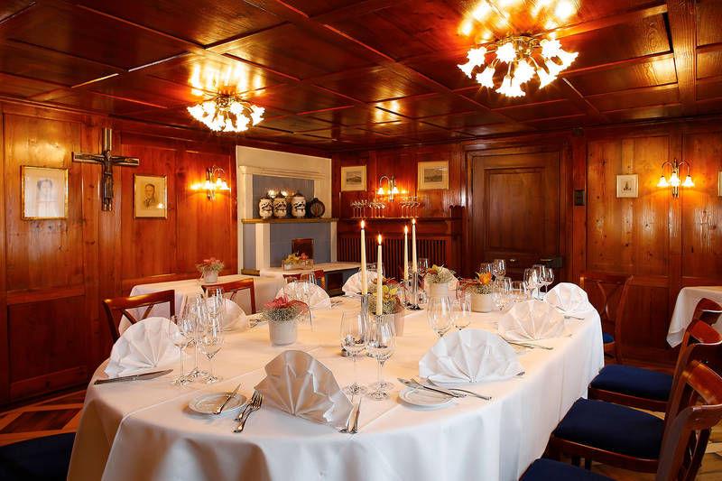 Beispiel: Tischdekoration, Foto: Hotel Waldheim Risch.