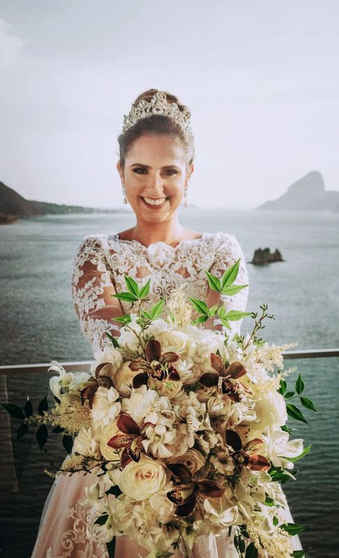 Bride Flowers - Buquês