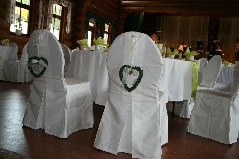 Beispiel: Blockhaus Hochzeitsschmuck Stuhl, Foto: Fautenhau Alm.