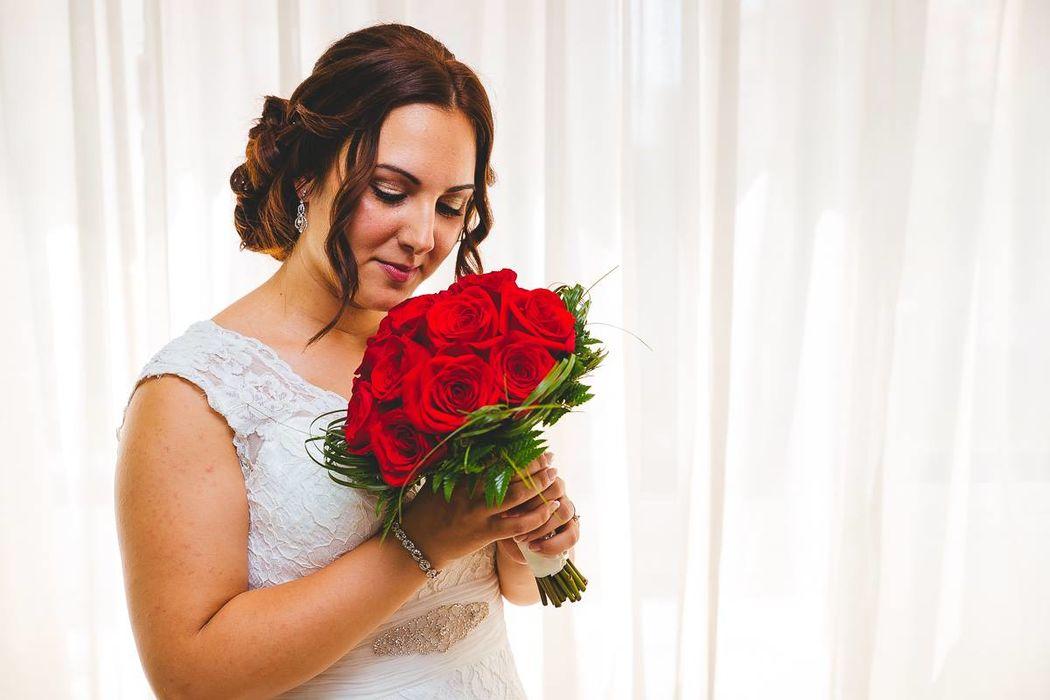 Ramo de novias de rosas rojas