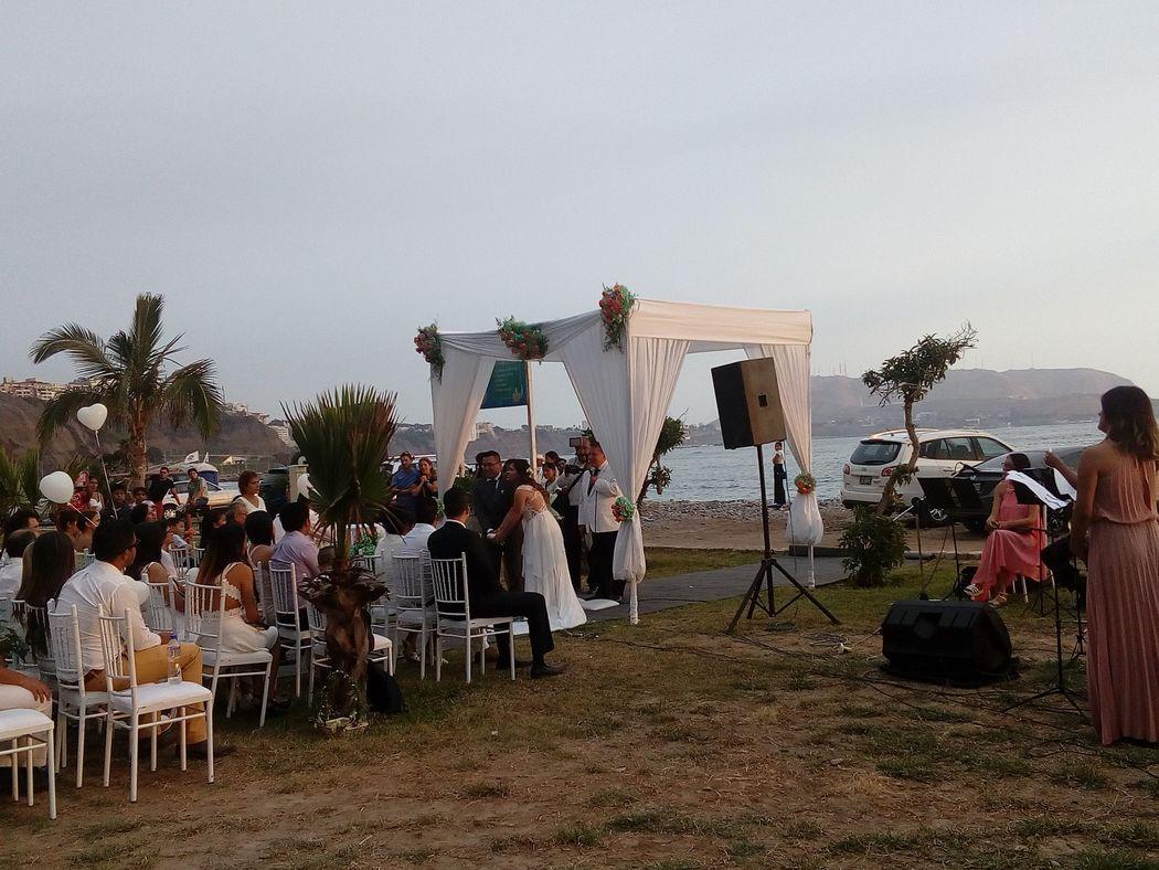 Ceremonia blanca en la playa